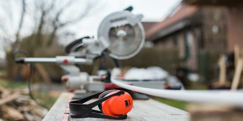 How to remove new construction recessed lights
