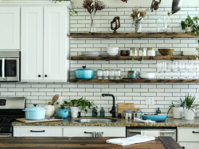 What To Put On Open Kitchen Shelves