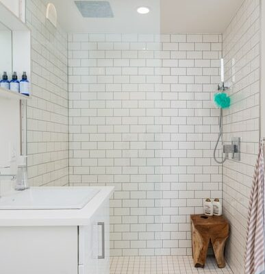 Pros and cons of Corian shower walls
