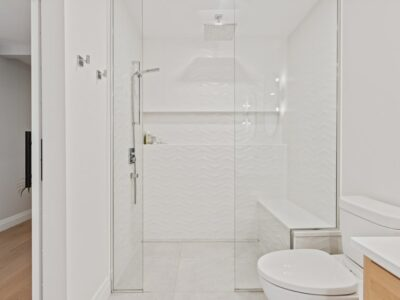 How to Clean Overlapping Sliding Shower Doors